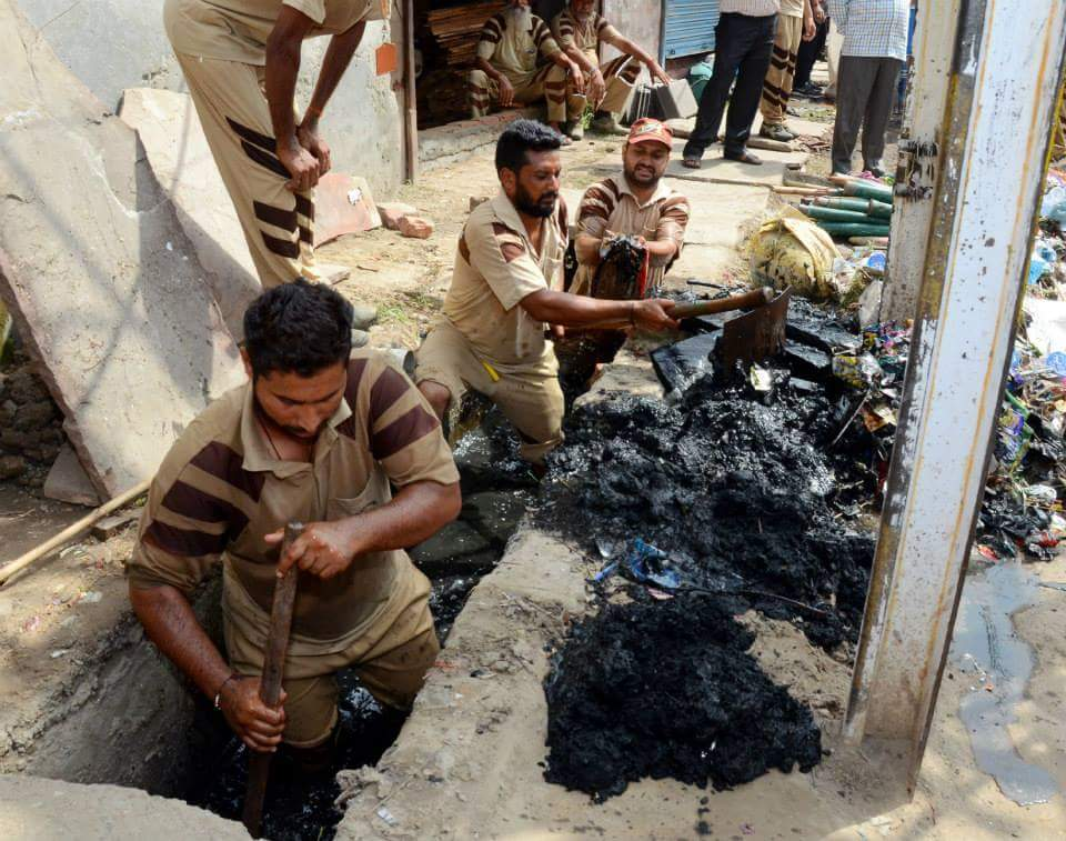 Cleaning campaign in panipat held by Dera Sacha Souda